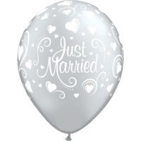 "11"" Just Married Hearts Silver Latex Balloons x 25"